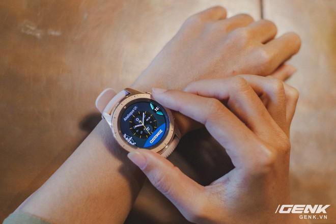 Cận cảnh đồng hồ Samsung Galaxy Watch chính thức tại Việt Nam: kiểu dáng thanh lịch, màu sắc thời trang giá 7 triệu đồng - Ảnh 20.