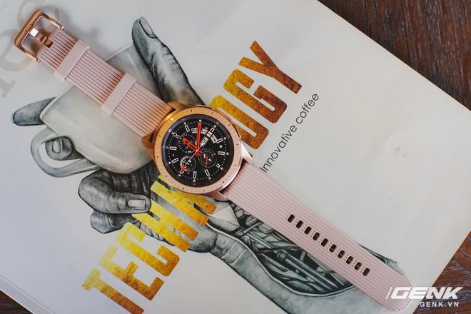 Cận cảnh đồng hồ Samsung Galaxy Watch chính thức tại Việt Nam: kiểu dáng thanh lịch, màu sắc thời trang giá 7 triệu đồng - Ảnh 16.
