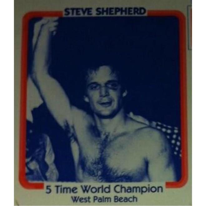 Trấn lột đúng cụ ông từng 5 lần vô địch kickboxing thế giới, tên cướp lĩnh ngay bài học nhớ đời - Ảnh 1.