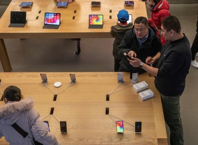 NYTimes: Chính mẹ tôi đã làm Apple không bán được iPhone - Ảnh 3.