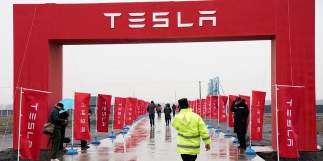 Tránh chiến tranh thương mại của Trump, Elon Musk cho xây dựng Tesla Gigafactory tại Trung Quốc - Ảnh 1.