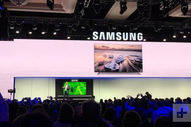 [CES 2019] Samsung ra mắt TV QLED 8K lớn nhất thế giới hiện nay, có thể nâng cấp mọi nội dung và xem Netflix với độ phân giải 8K - Ảnh 1.