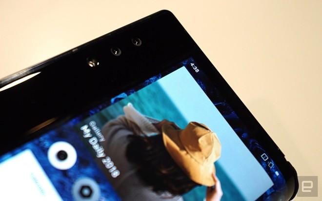 [CES 2019] Trên tay Royole Flexpai - điện thoại màn hình gập đầu tiên trên thế giới - Ảnh 9.