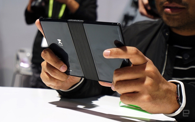 [CES 2019] Trên tay Royole Flexpai - điện thoại màn hình gập đầu tiên trên thế giới - Ảnh 13.
