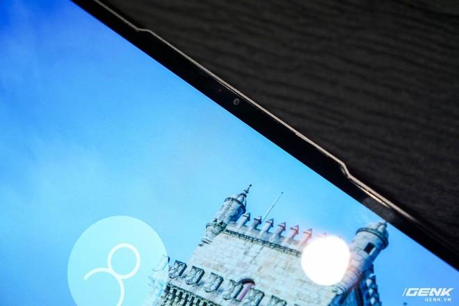 [CES 2019]: Lenovo S940, laptop thứ hai dùng tai thỏ ngược để đặt webcam, trang bị cả kính cong như smartphone - Ảnh 6.