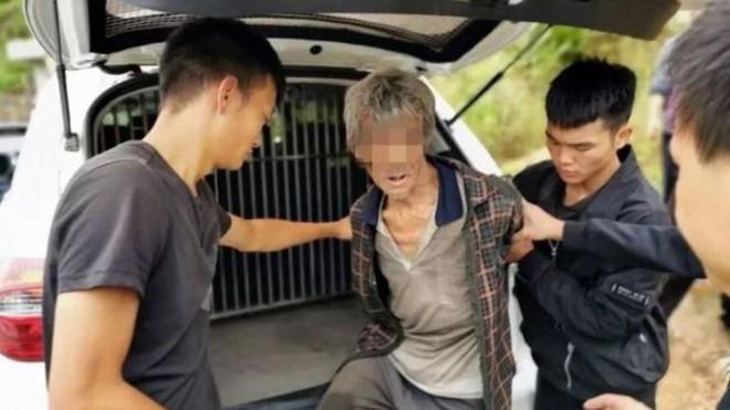Trốn truy nã trong hang suốt 17 năm, tên tội phạm buôn người vẫn bị máy bay không người lái phát hiện - Ảnh 1.