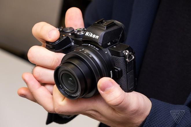 Nikon ra mắt Z50: Máy ảnh mirrorless nhỏ gọn, cảm biến APS-C, giá dưới 1.000 USD - Ảnh 3.