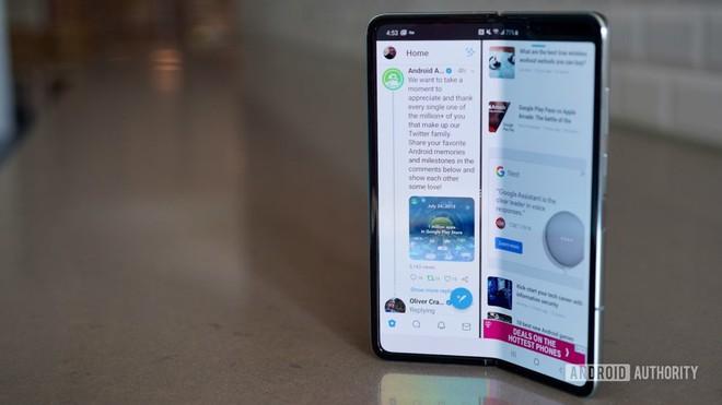 Ra mắt Galaxy Note 10 Lite giá rẻ: Con dao hai lưỡi có thể giúp Samsung giết chết đối thủ, nhưng cũng có thể tự hại chính mình - Ảnh 3.