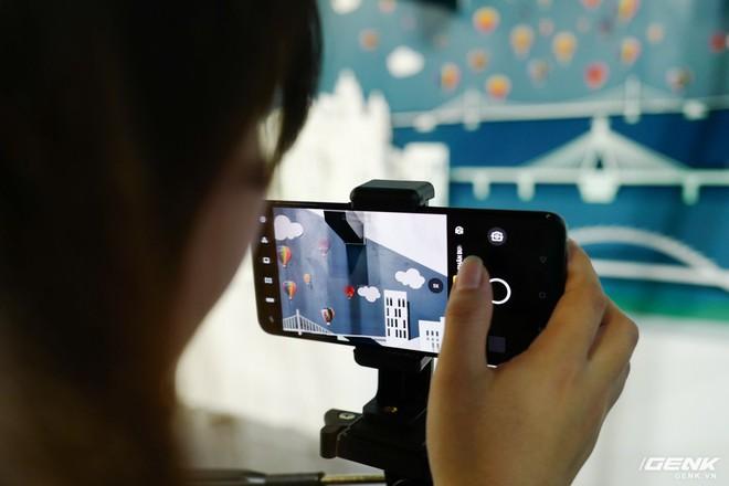 Trên tay bộ đôi Oppo Reno 2 và 2F chính thức ra mắt tại Việt Nam hôm nay: Thiết kế vây cá mập độc quyền, 4 camera, sạc VOOC 3.0, giá 8,99 và 14,99 triệu đồng - Ảnh 13.