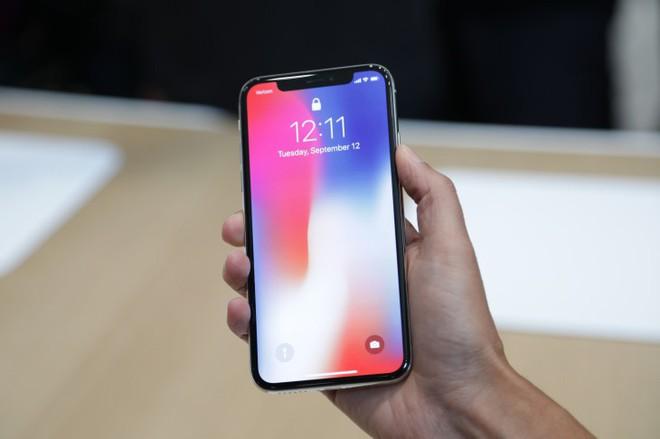 Đọ khả năng giữ giá của Apple, Samsung, Google, LG, Sony: Smartphone cao cấp nào bị mất giá nhiều nhất sau 1 năm? - Ảnh 3.
