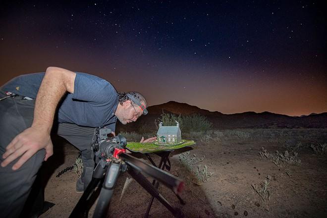 Ngắm những ánh trăng lừa dối tuyệt đẹp từ nghệ thuật chụp ảnh thiên văn bằng tiểu cảnh - Ảnh 7.