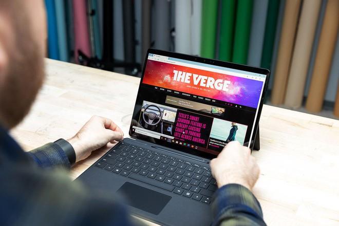 Trên tay Surface Pro X và Surface Pro 7: Qualcomm đấu Intel - Ảnh 1.