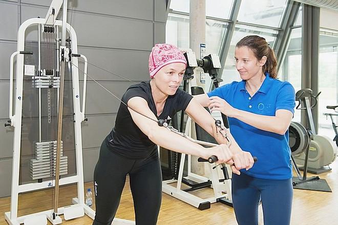 Thể dục là liều thuốc chữa ung thư: Bệnh nhân nên tập luyện thế nào là vừa phải? - Ảnh 2.