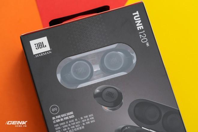Đánh giá tai nghe true-wireless JBL Tune 120: Tất cả là về âm trầm - Ảnh 2.