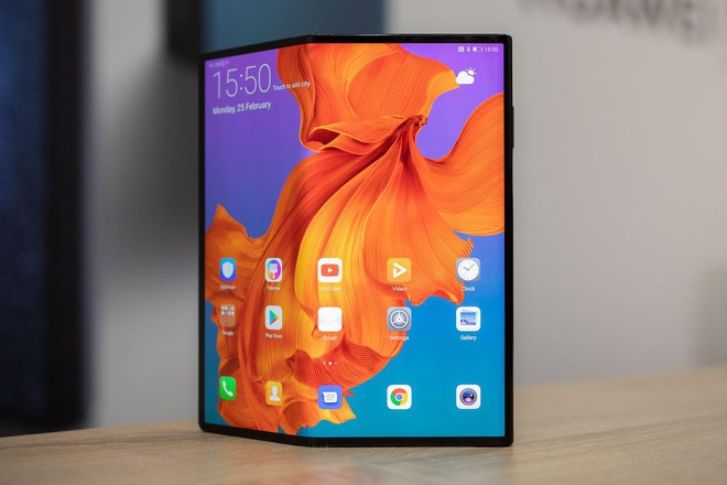 Smartphone màn hình gập Mate X của Huawei cuối cùng cũng chính thức ra mắt, giá 2.400 USD - Ảnh 1.
