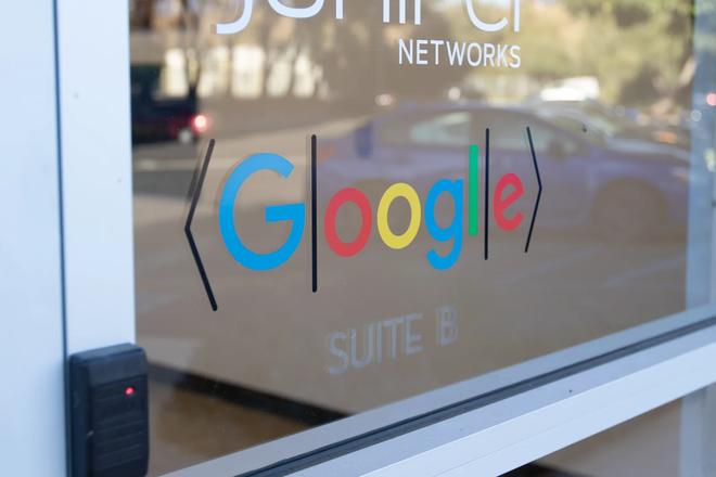 Đây là siêu máy tính lượng tử Google Sycamore, được lưu giữ tại -273 độ C, giải được bài toán mọi máy tính trên thế giới chịu thua - Ảnh 2.