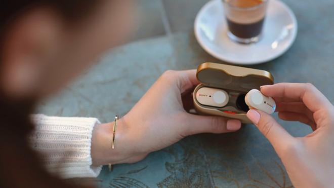 Không phải mỗi Airpods Pro mới có chống ồn và nghe âm thanh nền, 5 mẫu tai True Wireless này đã tích hợp từ lâu, giá chỉ từ 1.85 triệu - Ảnh 2.