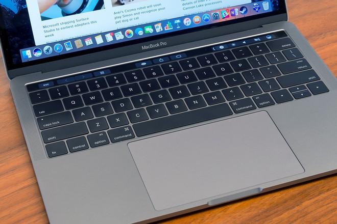 Microsoft đá xoáy các sản phẩm Apple trong buổi giới thiệu Surface - Ảnh 2.