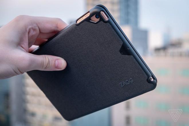 Chiếc bàn phím này biến iPad mini thành một chiếc laptop nhỏ tuyệt vời đến ngạc nhiên - Ảnh 1.