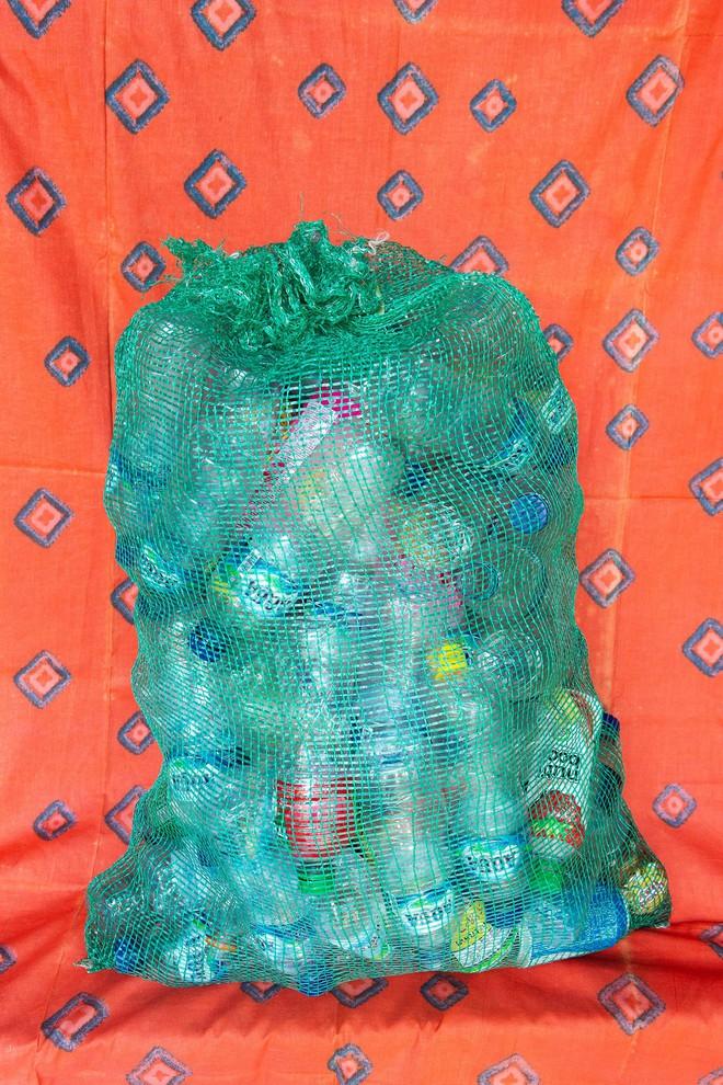 Dự án biến nhựa thành đơn vị tiền tệ, vừa giải quyết được vấn nạn rác lại tạo ra nguồn sống cho vô số người nghèo - Ảnh 6.