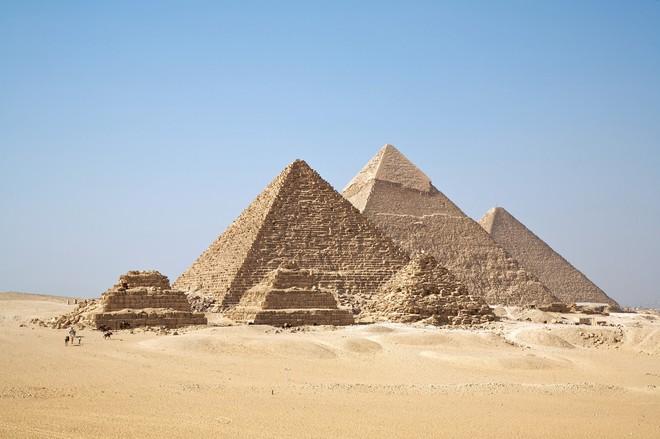 Phát hiện bất ngờ: Kim tự tháp Giza có thể tập trung năng lượng điện từ vào một phòng bên trong nó - Ảnh 1.