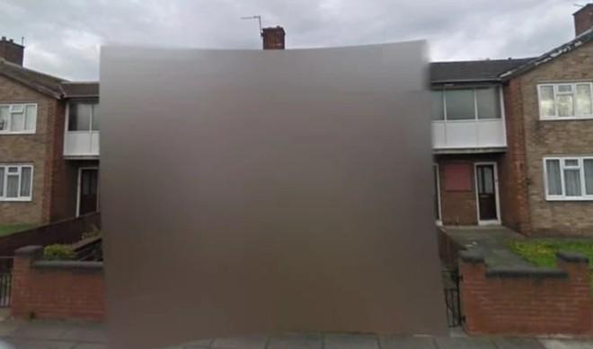 Ngôi nhà bí ẩn bị xóa mờ trên Google Maps Street View: bí mật gì đang được che giấu? - Ảnh 1.