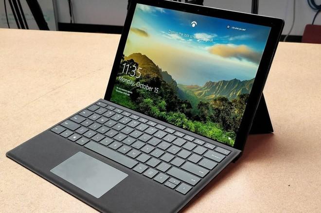 Cùng chọn 4GB RAM làm khởi điểm cho thiết bị mới, vì sao Apple đáng trách còn Microsoft đáng khen? - Ảnh 1.