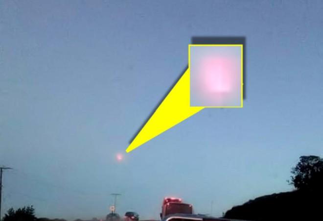 Một quả cầu lửa bí ẩn vừa xuất hiện trên bầu trời Chile, nhưng các nhà khoa học lại không biết đó là gì - Ảnh 2.