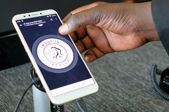 "Ra mắt smartphone ""Made in Africa"" đầu tiên - Ảnh 1."