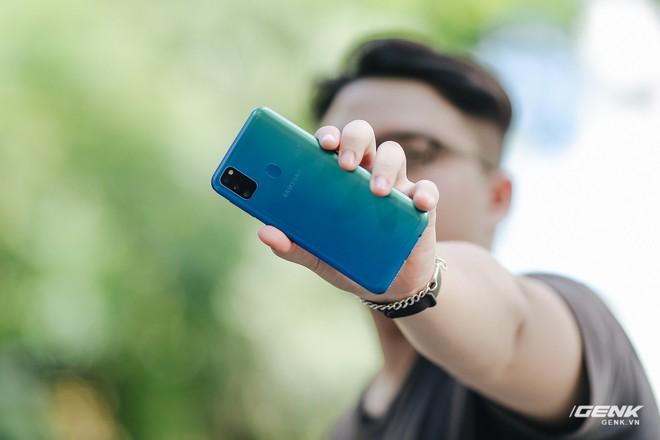 Trên tay Galaxy M30s: 3 tùy chọn màu sắc, cụm camera mới, pin 6.000 mAh, giá 6.99 triệu đồng - Ảnh 15.