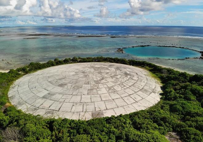 Lăng Mộ - quả bom phóng xạ nổ chậm nằm ngay bên bờ Thái Bình Dương sắp bung ra do biến đổi khí hậu - Ảnh 1.