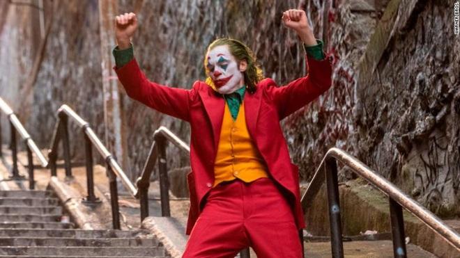 Joker sắp trở thành bộ phim R-rated đầu tiên trong lịch sử cán mốc doanh thu 1 tỉ USD - Ảnh 1.