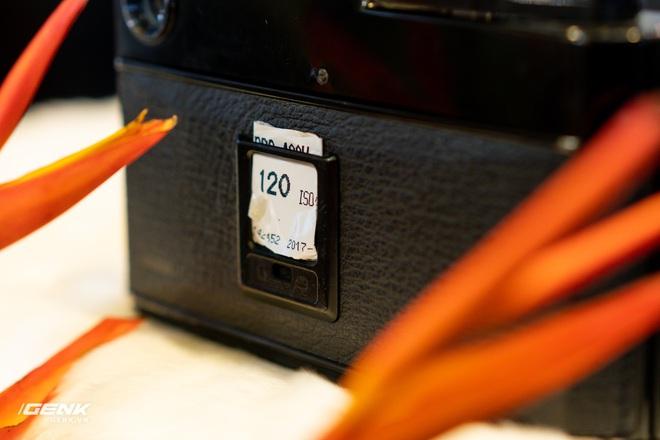 Trên tay máy ảnh màn hình giấu Fujifilm X-Pro3: Thiết kế đặc biệt, chất liệu cao cấp, giá khá cao - Ảnh 10.