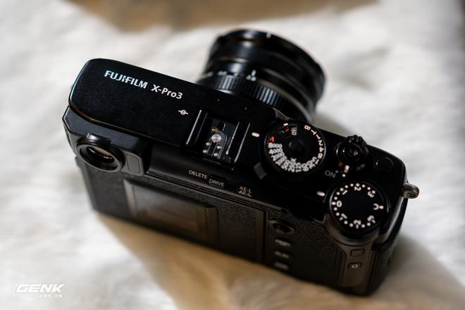 Trên tay máy ảnh màn hình giấu Fujifilm X-Pro3: Thiết kế đặc biệt, chất liệu cao cấp, giá khá cao - Ảnh 3.