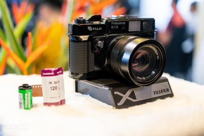 Trên tay máy ảnh màn hình giấu Fujifilm X-Pro3: Thiết kế đặc biệt, chất liệu cao cấp, giá khá cao - Ảnh 9.