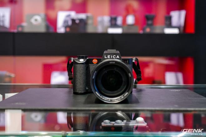 Trên tay máy ảnh không gương lật dành cho 1% dân số Leica SL2: Thiết kế sang, cảm biến 47MP, giá gần 160 triệu đồng - Ảnh 2.