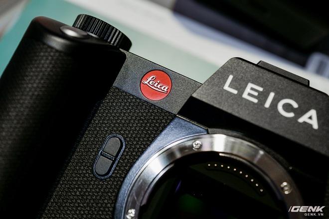Trên tay máy ảnh không gương lật dành cho 1% dân số Leica SL2: Thiết kế sang, cảm biến 47MP, giá gần 160 triệu đồng - Ảnh 3.
