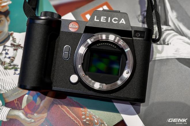 Trên tay máy ảnh không gương lật dành cho 1% dân số Leica SL2: Thiết kế sang, cảm biến 47MP, giá gần 160 triệu đồng - Ảnh 4.