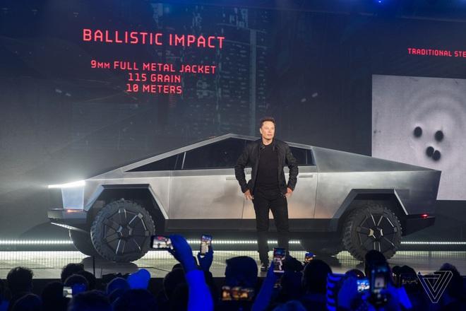 Soi kỹ thiết kế và đi thử xe bán tải chạy điện Tesla Cybertruck - Ảnh 13.