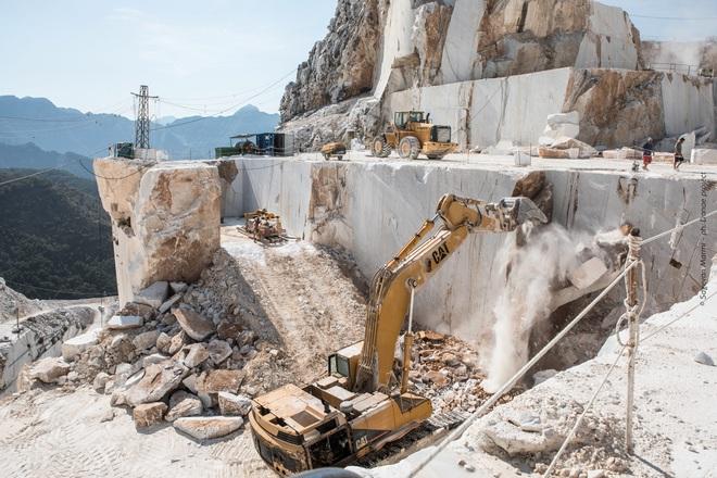 Mỏ sản xuất nhiều đá cẩm thạch nhất thế giới, giá trị 1,1 tỷ USD - Ảnh 4.