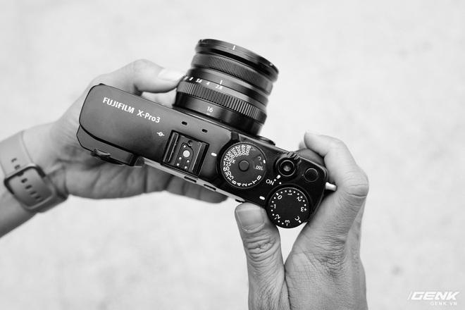 Trải nghiệm Fujifilm X-Pro3: Chiếc máy khiến chúng ta trân trọng khoảnh khắc hơn - Ảnh 1.