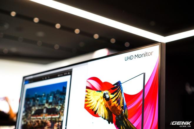Samsung giới thiệu màn hình UHD đầu tiên trên thế giới đạt chuẩn bảo vệ mắt 2.0, độ quang phổ 1 tỷ màu, thiết kế viền siêu mỏng, giá gần 15 triệu - Ảnh 3.