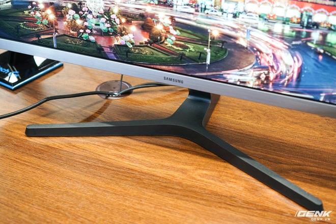 Samsung giới thiệu màn hình UHD đầu tiên trên thế giới đạt chuẩn bảo vệ mắt 2.0, độ quang phổ 1 tỷ màu, thiết kế viền siêu mỏng, giá gần 15 triệu - Ảnh 4.