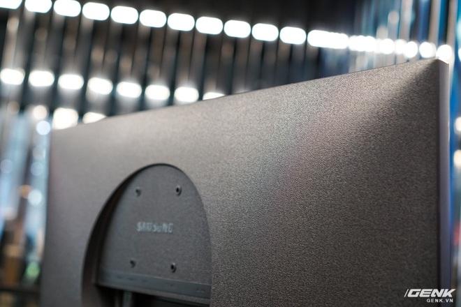 Samsung giới thiệu màn hình UHD đầu tiên trên thế giới đạt chuẩn bảo vệ mắt 2.0, độ quang phổ 1 tỷ màu, thiết kế viền siêu mỏng, giá gần 15 triệu - Ảnh 7.