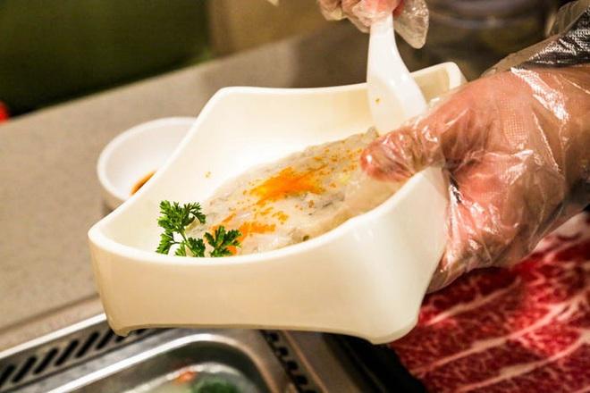 Chuỗi nhà hàng lẩu Trung Quốc tận tình phục vụ thực khách cô đơn bằng robot, làm móng miễn phí, mì nhảy và thú bông - Ảnh 34.