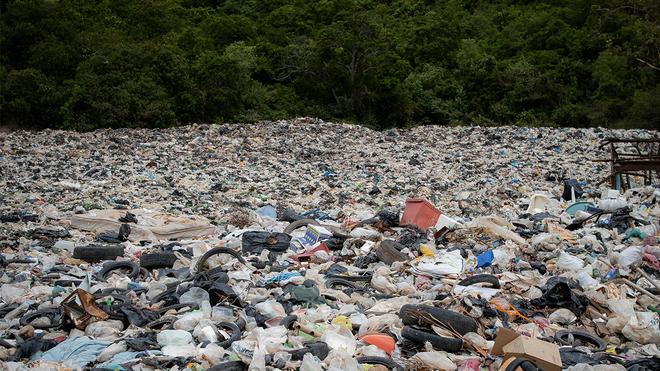 Để xử lý lượng rác thải 2 tỷ tấn/năm - nặng tương đương Kim tự tháp Giza, nhân loại trông chờ vào công nghệ - Ảnh 1.