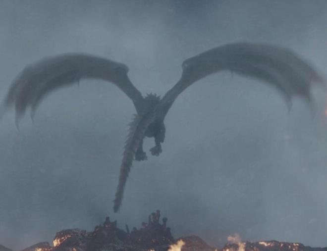 8 bí mật giờ mới kể của Game of Thrones mùa cuối: Drogon đã mang xác Mẹ rồng đi đâu, ai là chủ nhân của cốc cà phê xuyên không? - Ảnh 2.