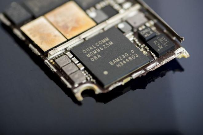 Intel đổ tại hành vi của Qualcomm đã khiến họ phải rút khỏi lĩnh vực chip modem 5G - Ảnh 1.