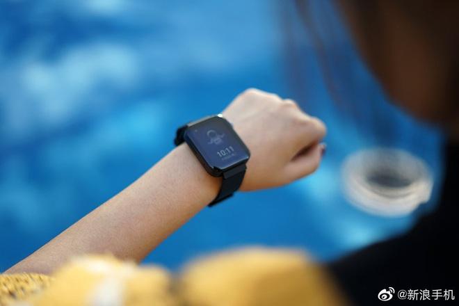 Cận cảnh Xiaomi Mi Watch: Bản sao giá rẻ của Apple Watch - Ảnh 10.