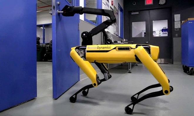 Chó robot của Boston Dynamics lần đầu tham gia vào biệt đội phá bom của cảnh sát Mỹ - Ảnh 3.